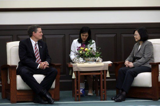 Daines sits with Taiwan's president Tsai Ing-wen