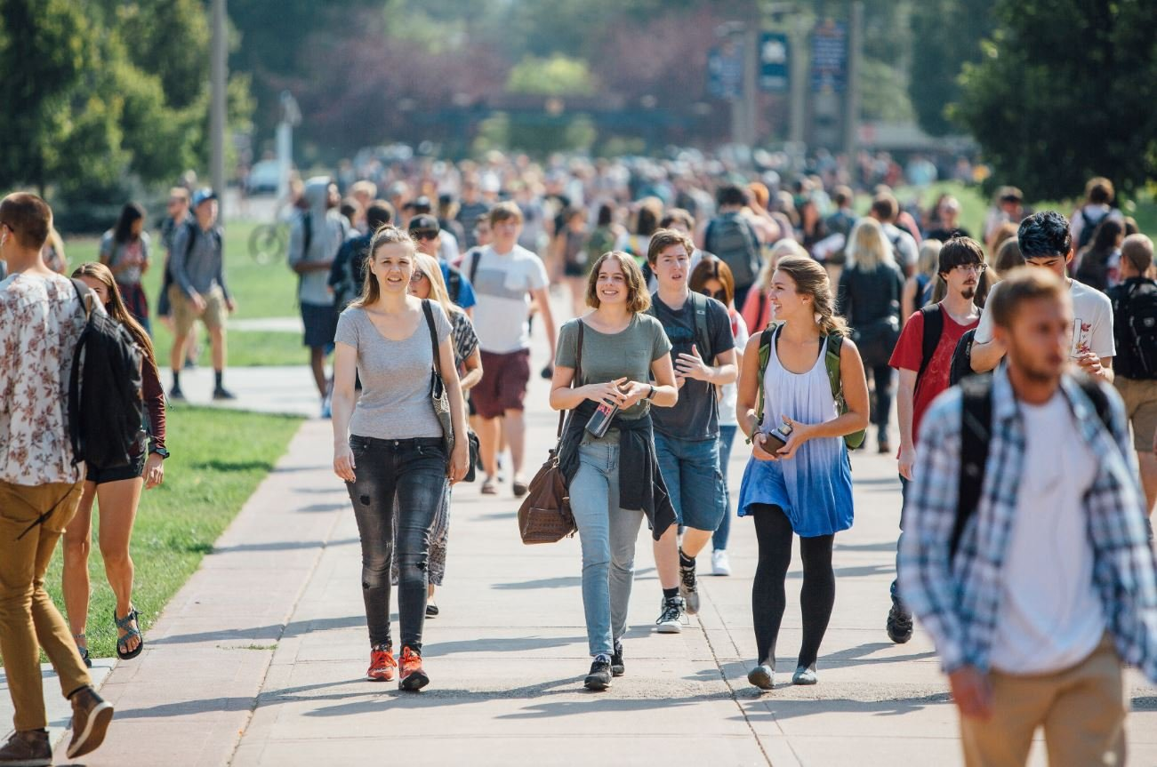 Students walk between classes during the first day of class Monday, August 28, 2017. MSU set a new fall enrollment record of 16,703 this year. MSU photo by Adrian Sanchez Gonzalez