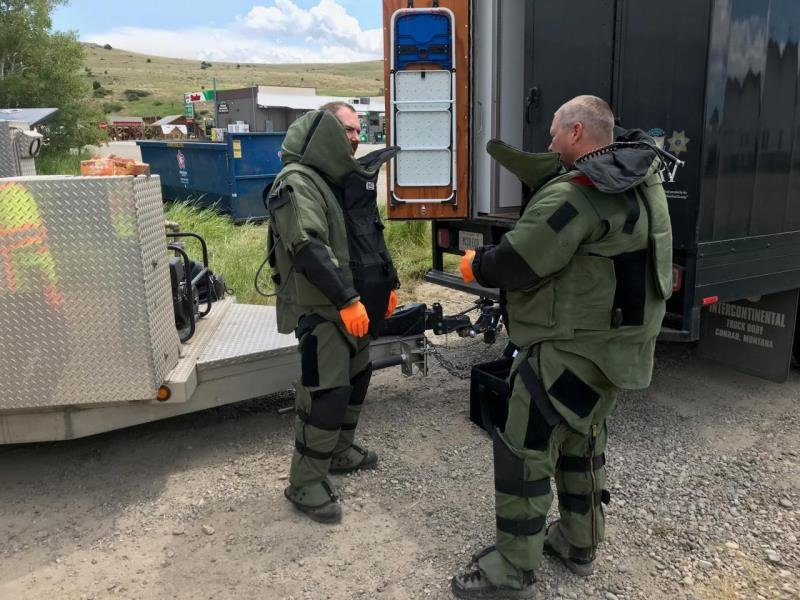 Missoula County Explosives Ordinance Disposal Team preparing for action. July 17, 2018. Photo credit: EPA